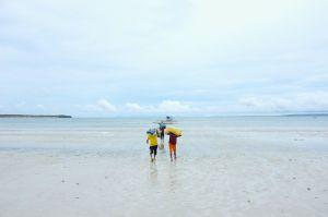Haiyan- Loading relief goods