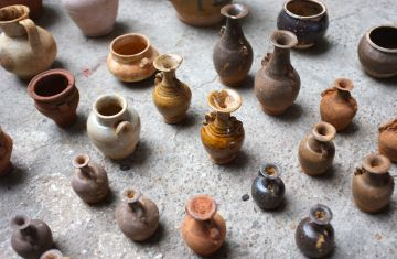 China - Market, jugs